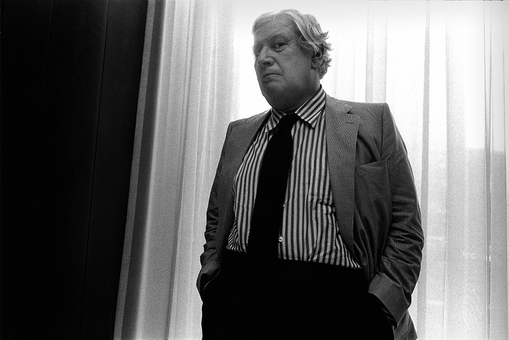 http://bertrandcarriere.com/files/gimgs/th-52_Ustinov_Peter_B.jpg